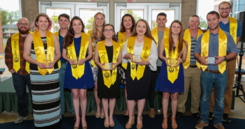 Honors Convocation recognizes students' commitment to excellence